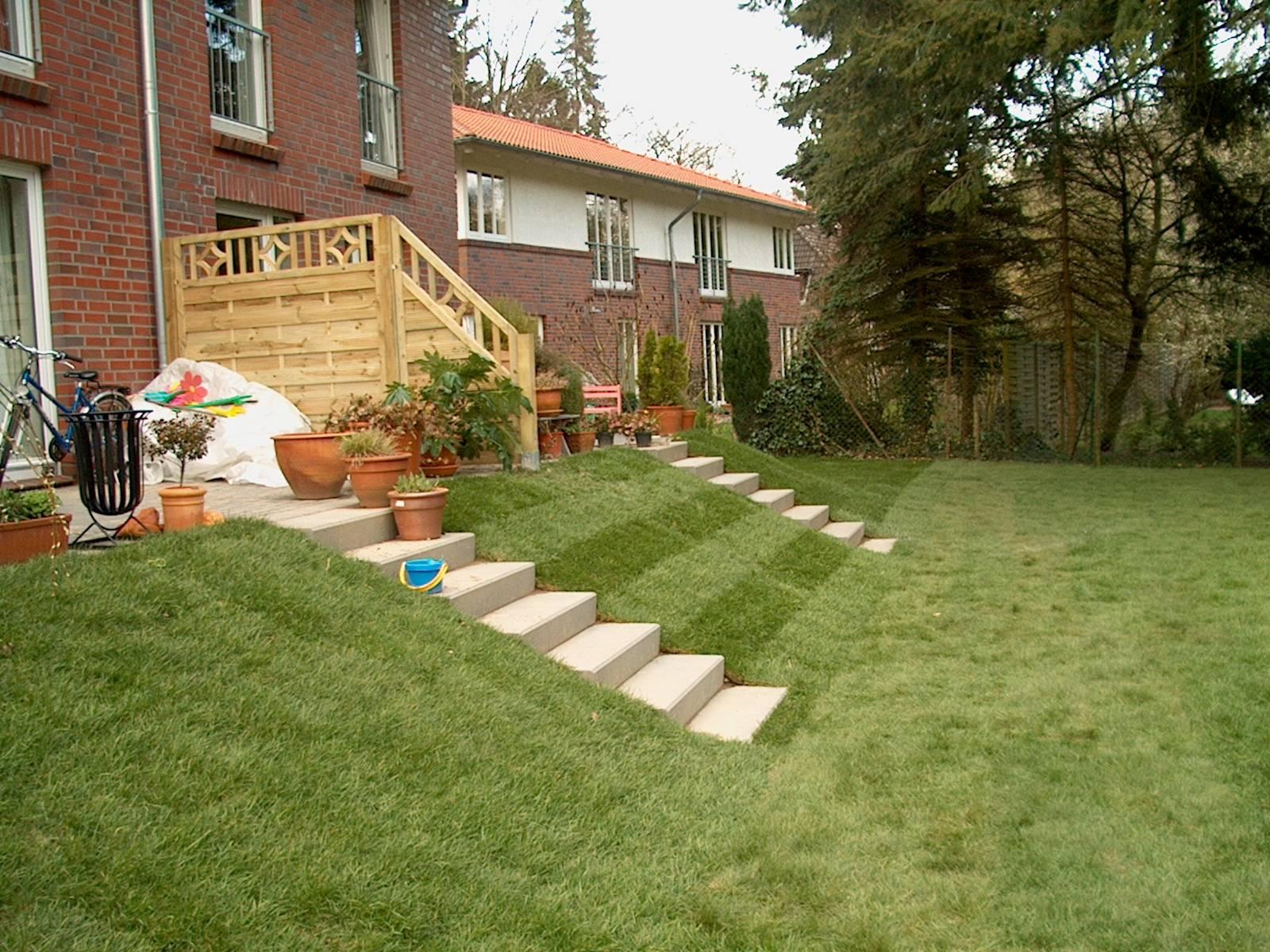 terrasse mit stufen righini garten und landschaftsbau. Black Bedroom Furniture Sets. Home Design Ideas